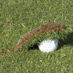 ゴルフスイング!ダフリの原因と対策そして右肘の使い方とは?